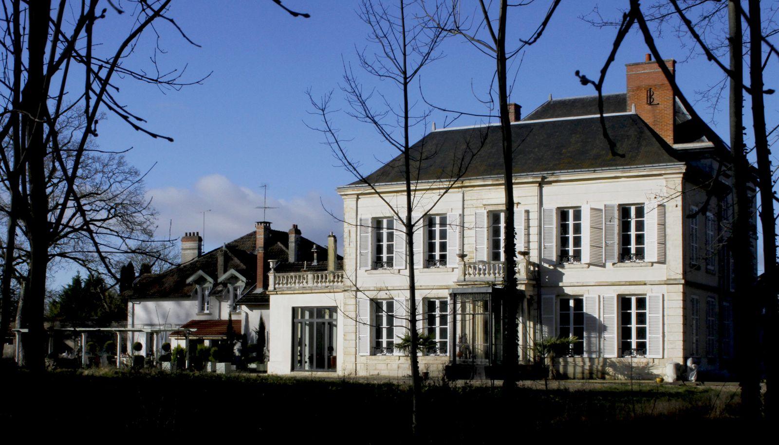 Bienvenue au Château de Courmelois (façade Sud)