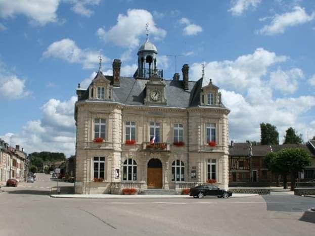 Mairie de La Neuville au Pont