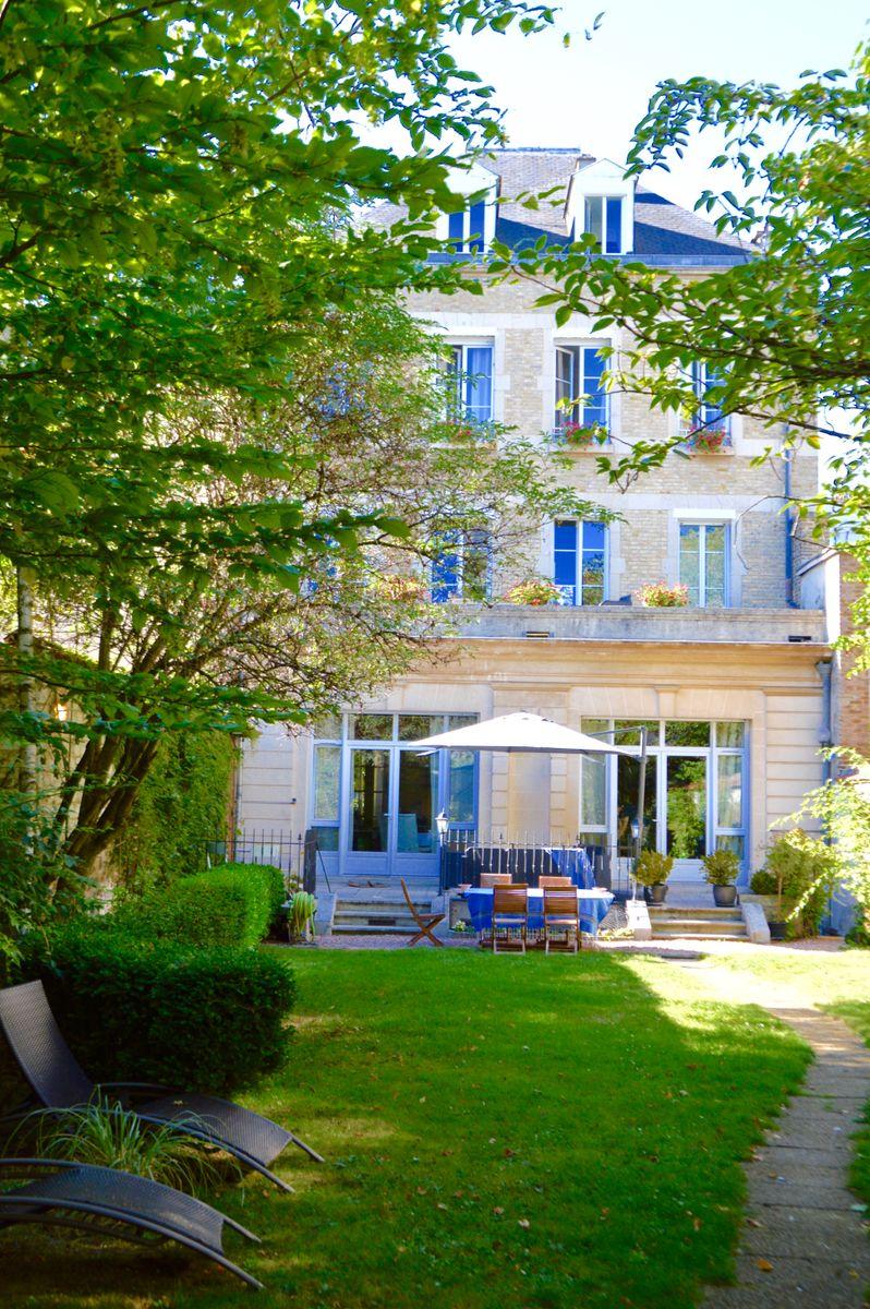 Jardin Maison d'hôtes Reims La Demeure des Sacres