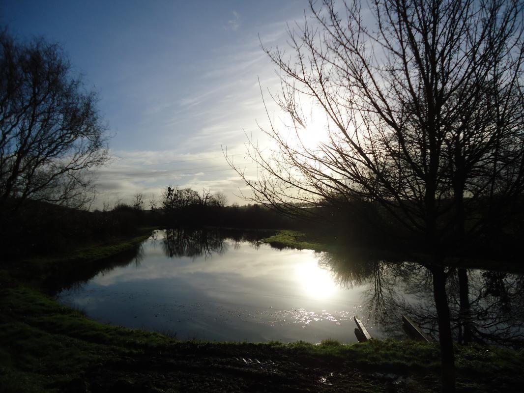 Coucher de soleil sur le plan d'eau, rien que pour vous