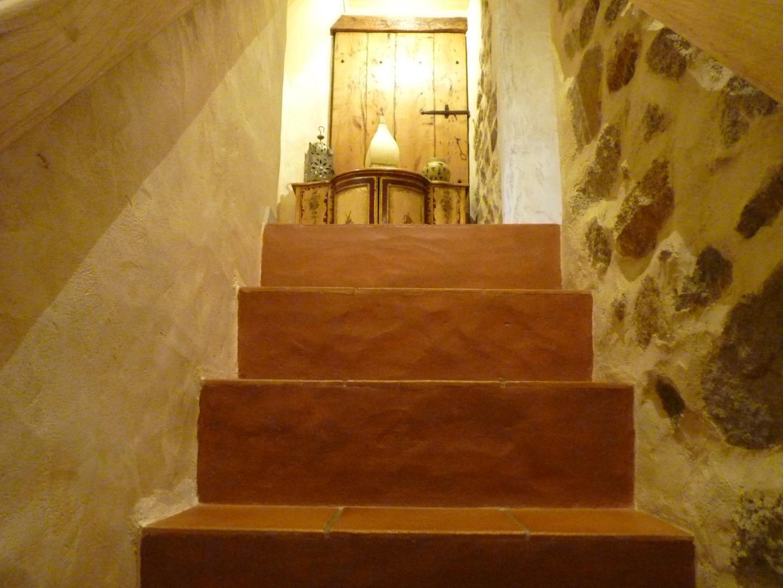 L'escalier qui dessert la chambre de haut