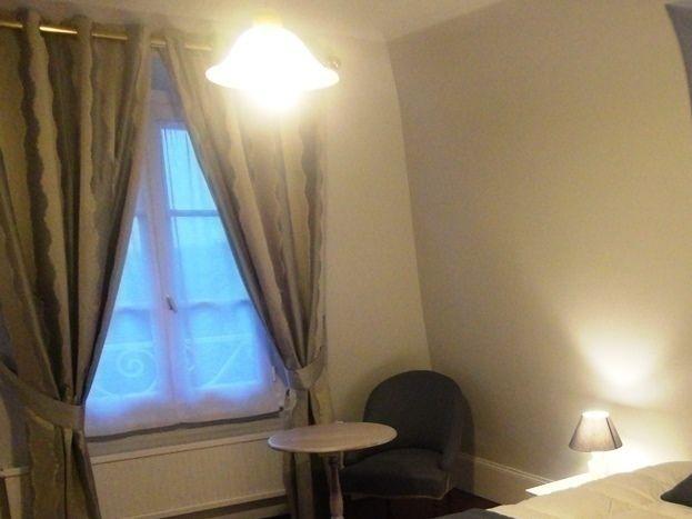 Grande chambre confortable et agréable