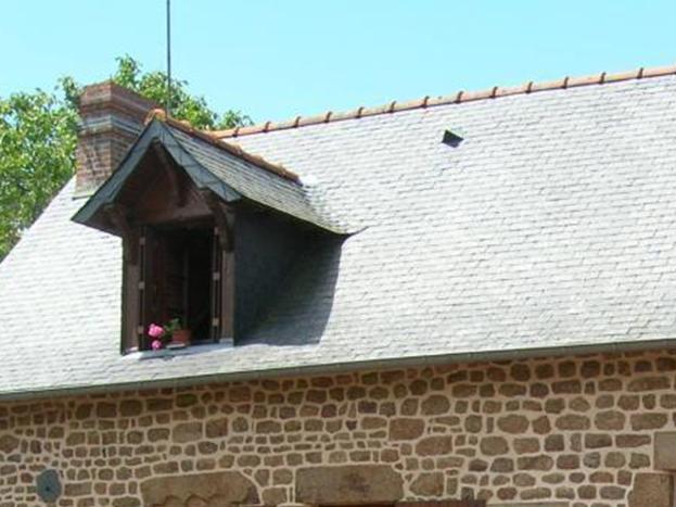 Belle maison en pierre à l'extérieur comme àl'intérieur