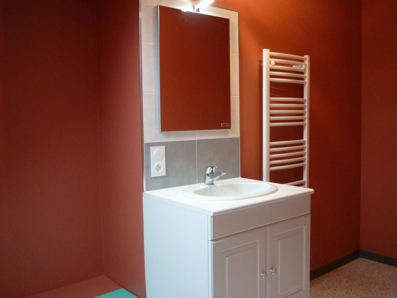 Belle salle d'eau neuve