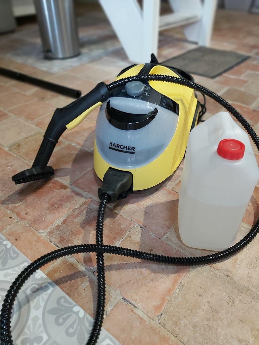 Nous passons la vapeur à  la fin du ménage pour un nettoyage parfait