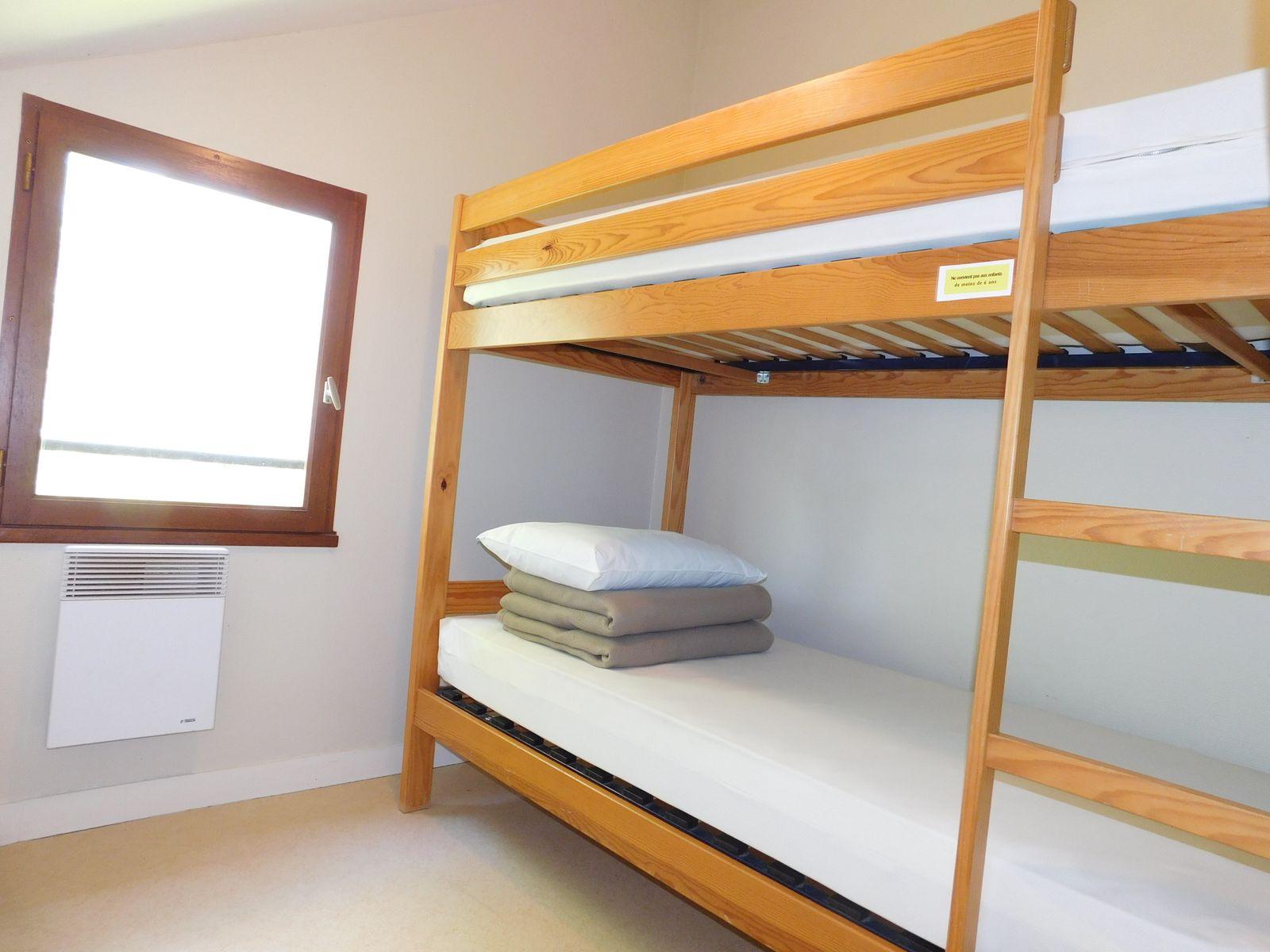 chambre à l'étage 2 lits de 90