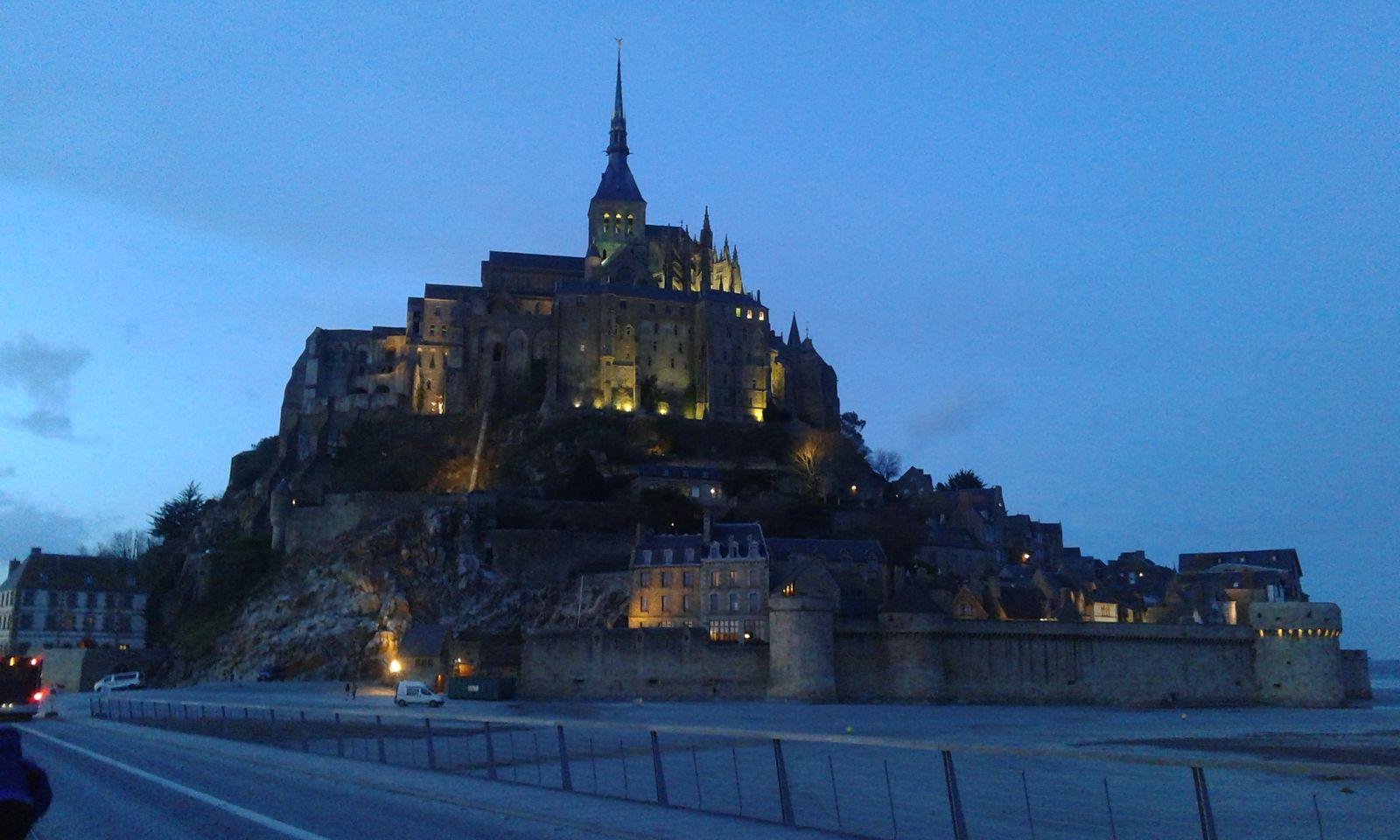 Classé au patrimoine mondial de l'UNESCO, le Mont ST MICHEL est seulement à 1 h 30 du gîte
