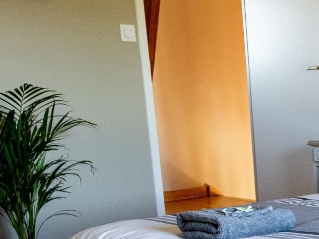 Chambre 2 équipée d'un lit double 160x200