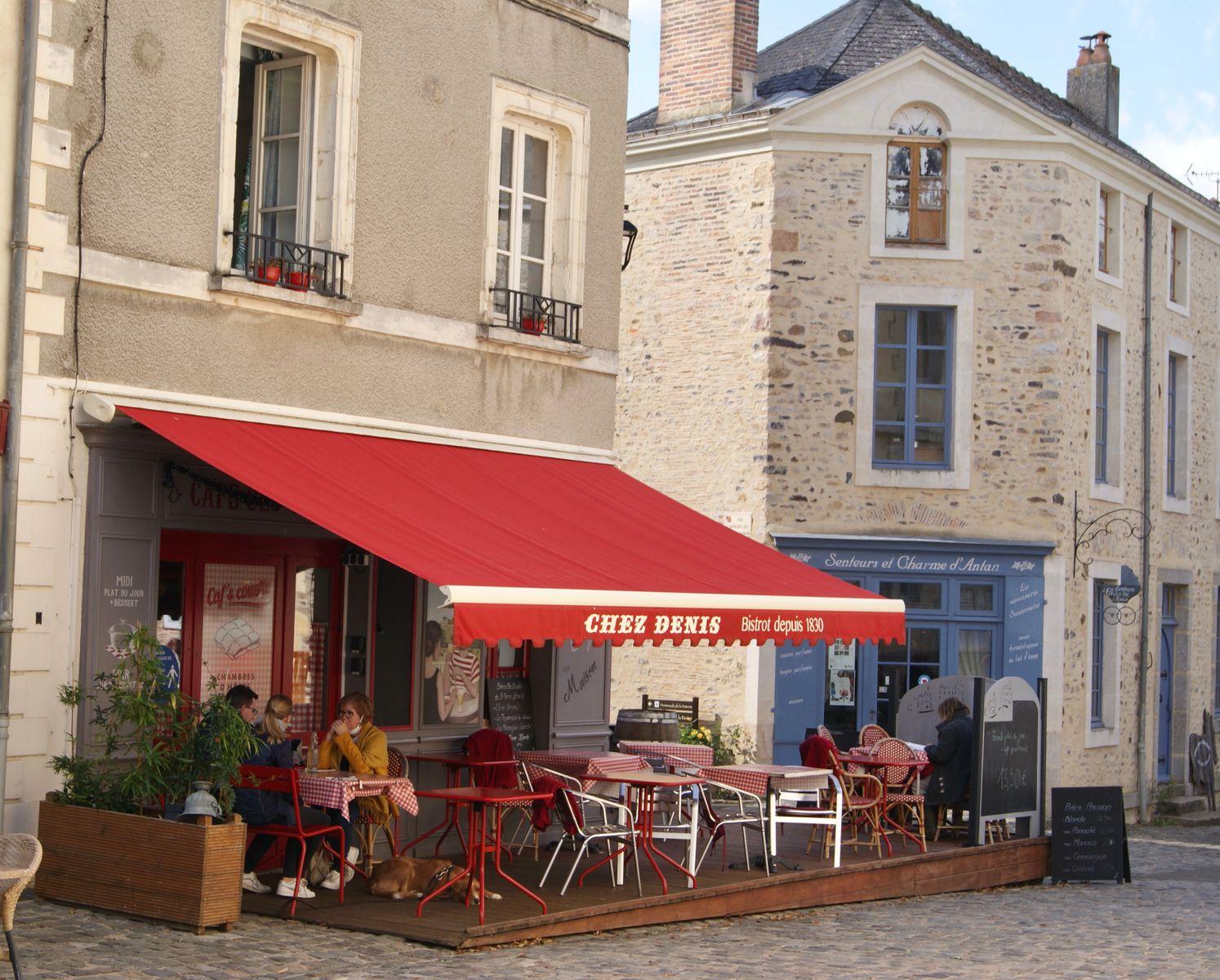 Chez Denis, ou Caf & Couette