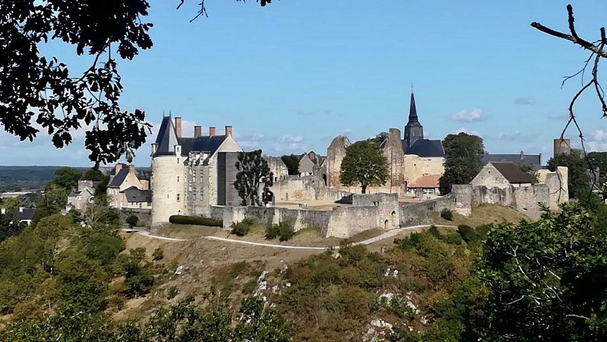 Château vu du Tertre Ganne