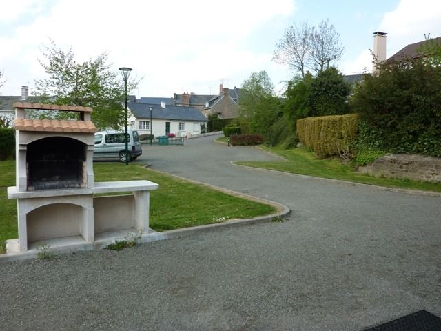 Parking privé avec barbecue
