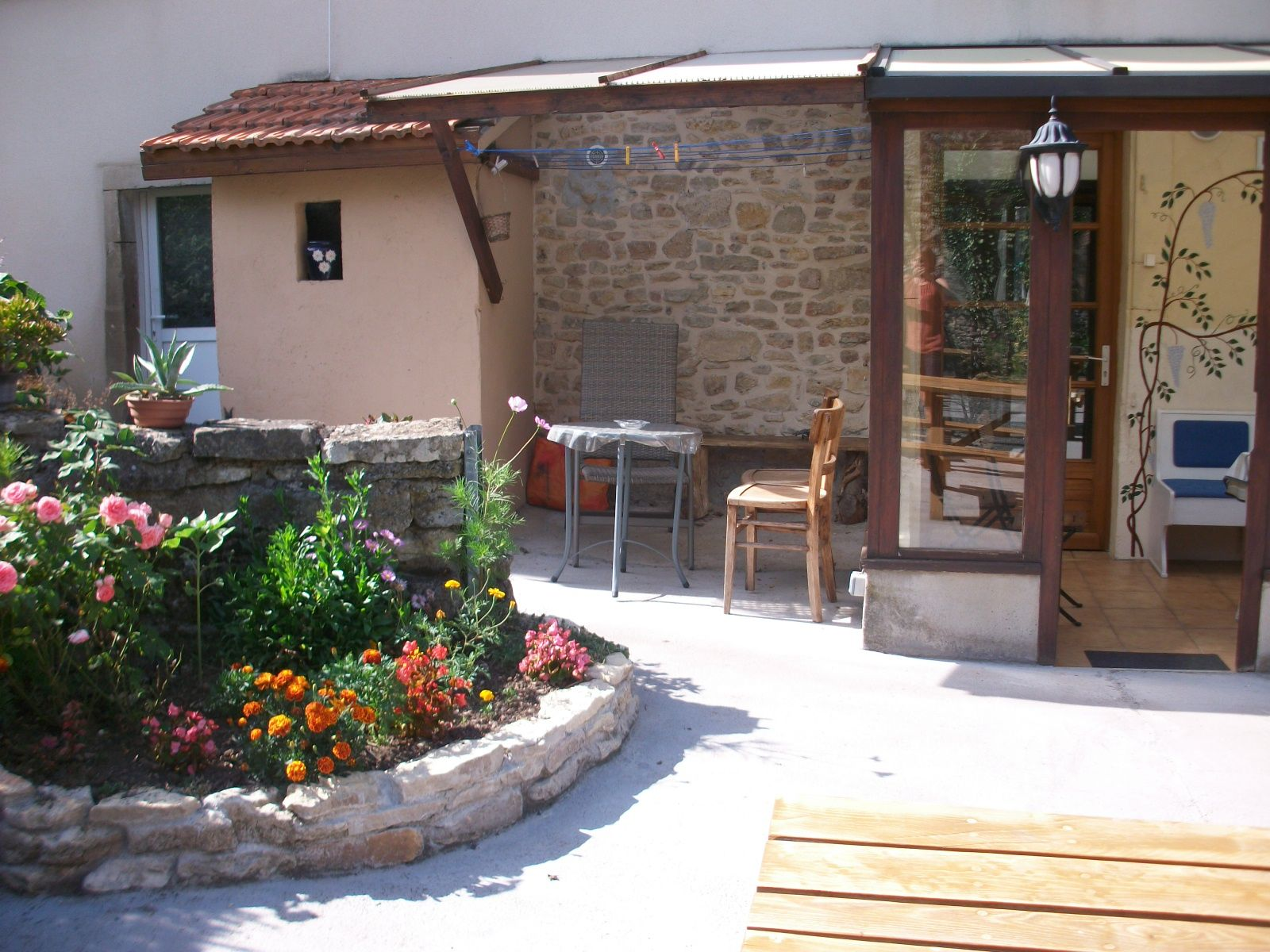 jardin clos-terrasse-barbecue