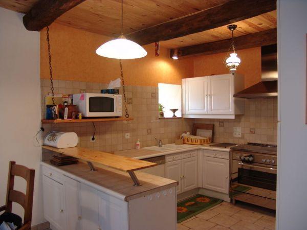 l'espace cuisine ouvert sur salon séjour