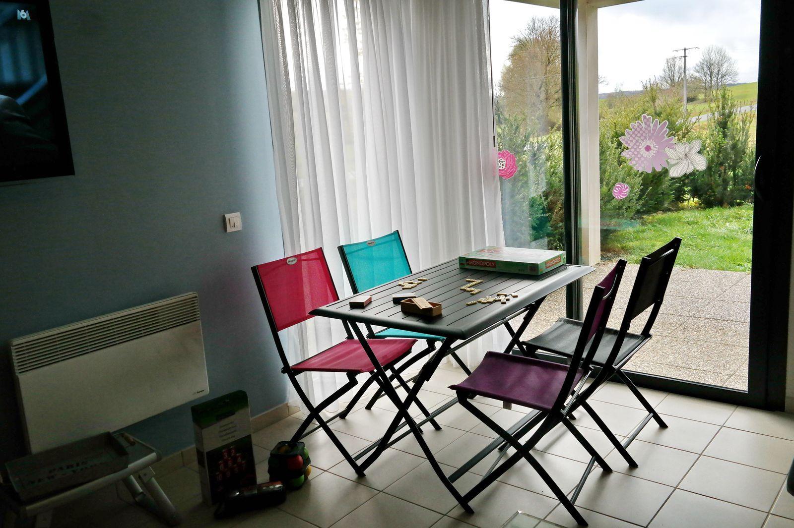 table petit déjeuner ou à mettre sur la terrasse aux beaux jours