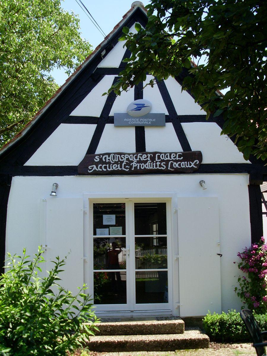 Bureau d'accueil touristique - Agence Postale et produits locaux