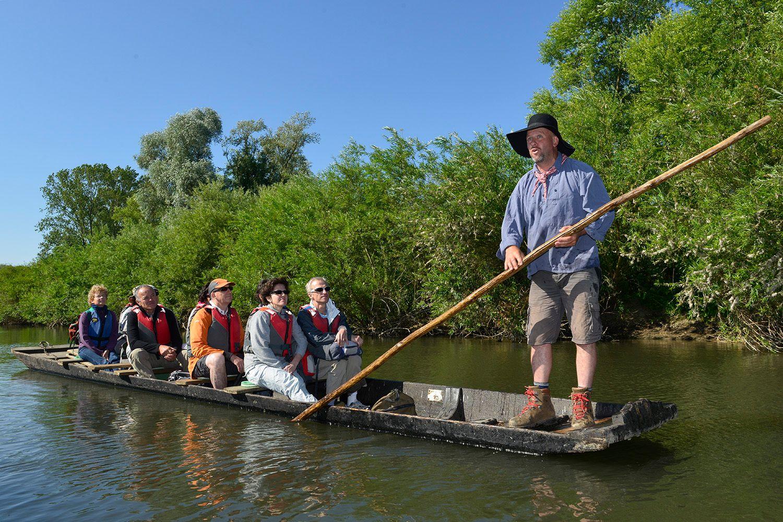 Les balades découverte naturaliste et historique en barque avec le propriétaire
