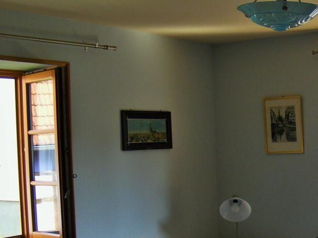 1er étage : chambre avec fenêtres est et sud: 2 lits 80x200
