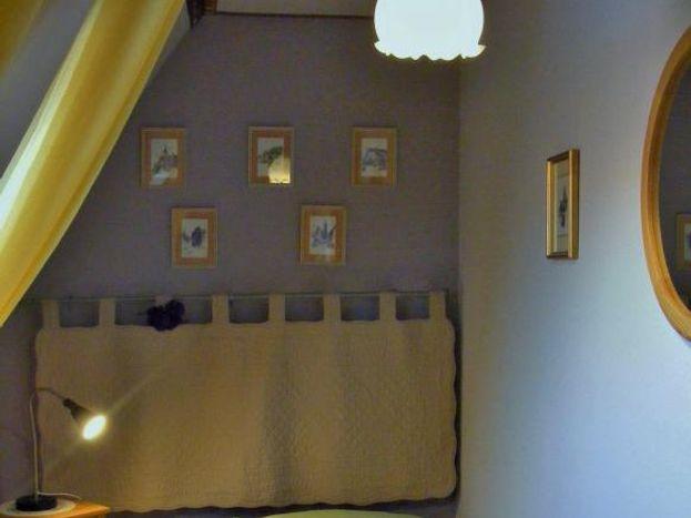 2ème étage : chambre avec velux vers  l'est  lit 90x190