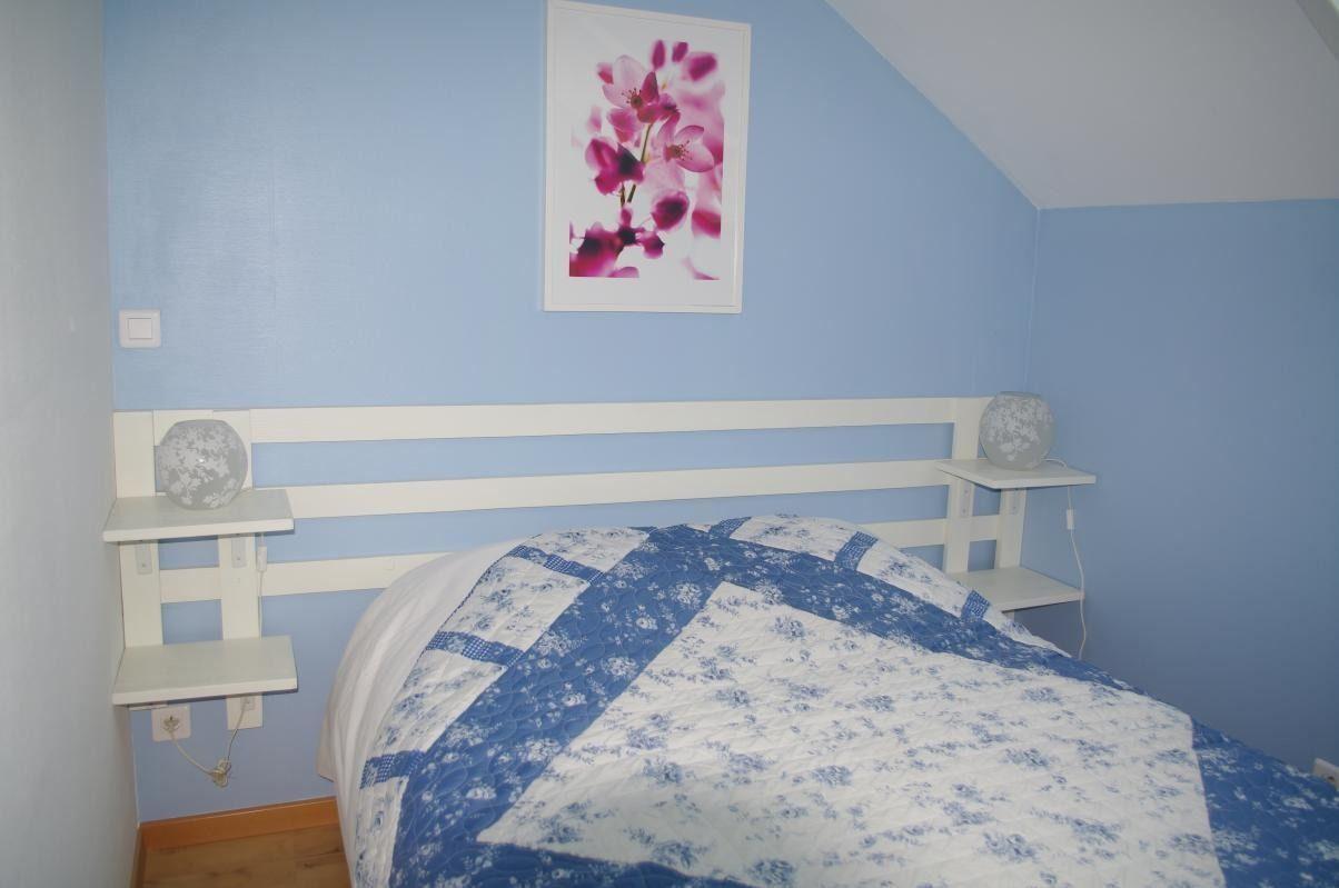 Chambre avec 1 lit de 140cm