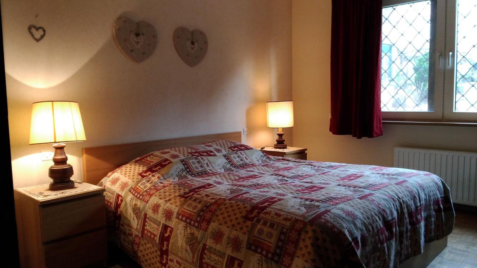 Chambre 1, Lit double 160cm x 200cm draps fournis, lits faits à l'arrivée