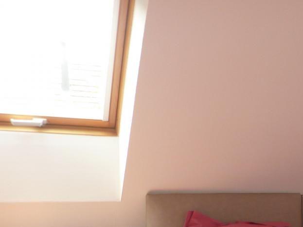 chambre cerise avec vue sur les Vosges