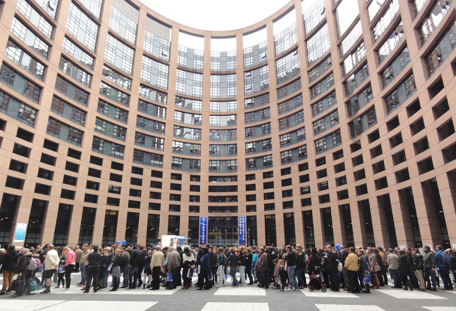 Parlement Européen à 2000m de l'appartement