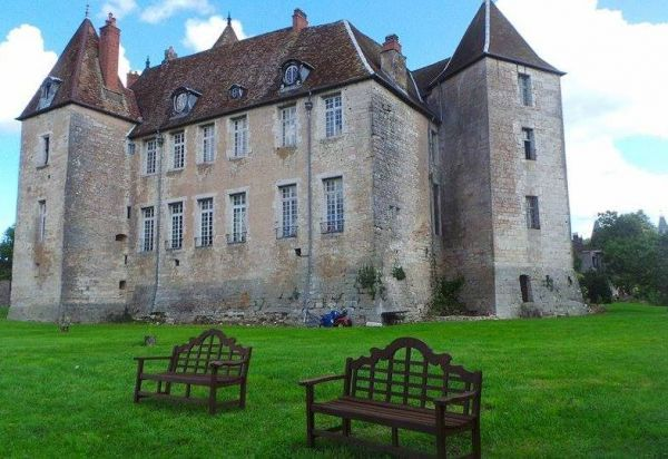 Le château de Gy