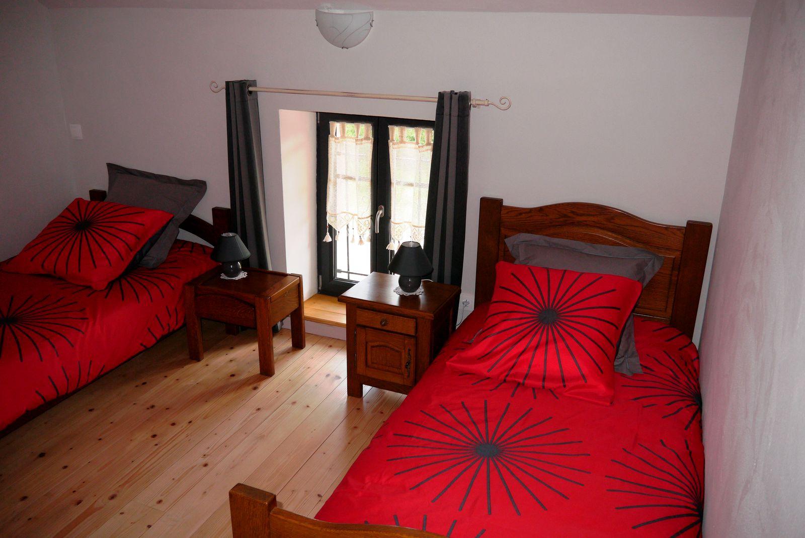 Chambre étage 2 lits de 1 personne
