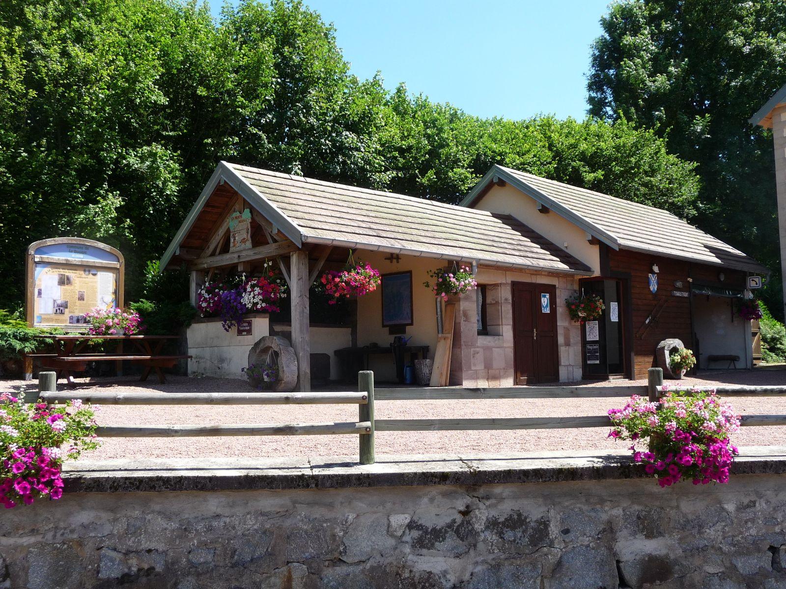 La halte touristique de la Rosière (départ de la randonnée circuit de La Rosière)