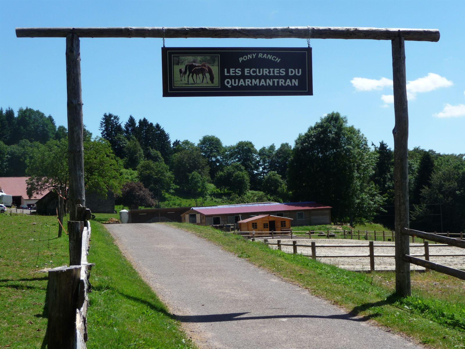 La Rosière - Ferme  Equestre les écuries de Quarmantran à 4 Kilomètres du Gite.
