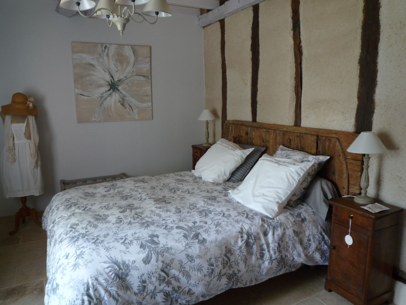 Lit 160 chevets et tête de lit ;porte d'origine du 18è siècle