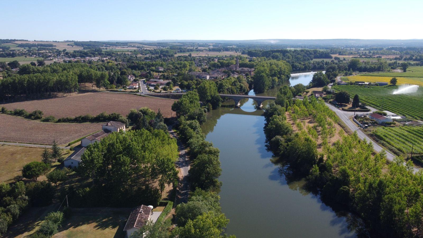 Le pont et village de BIOULE