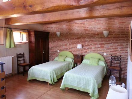 Grande chambre enfant. lits transformables en couchage en 160,pour rêver le nez en l'air