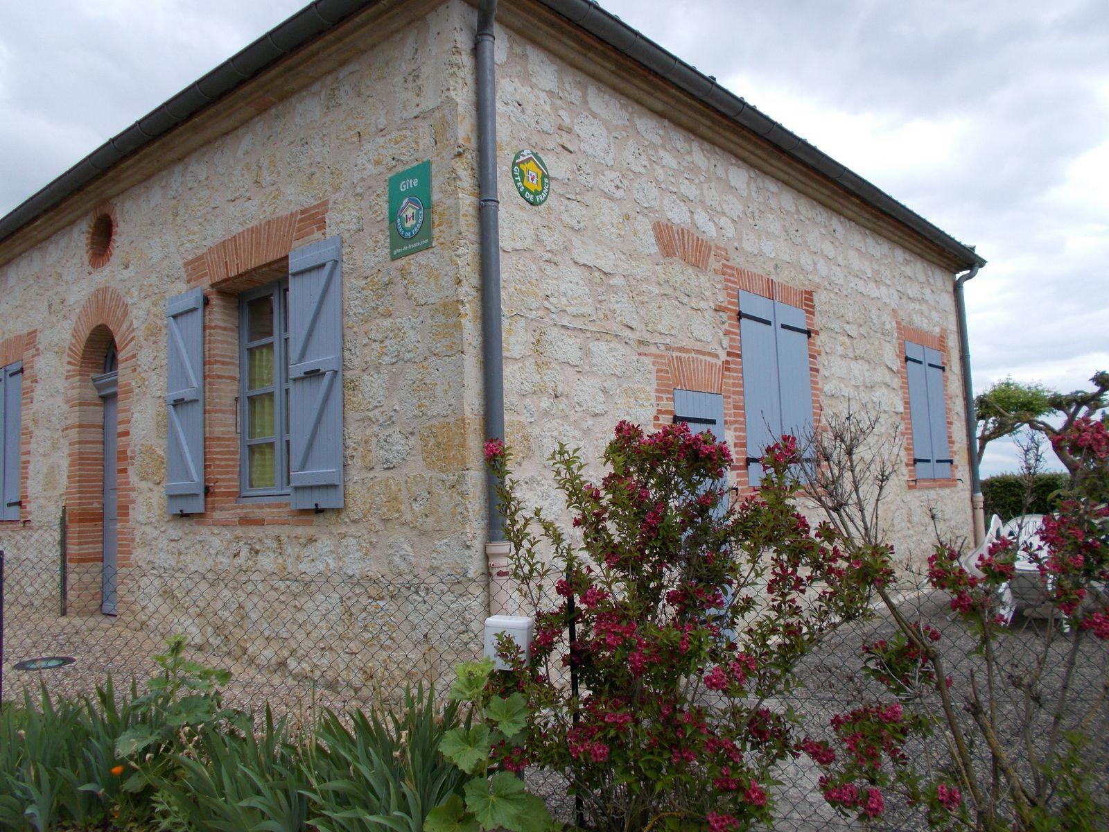 Le Gîte, qui auparavant était l'école du village