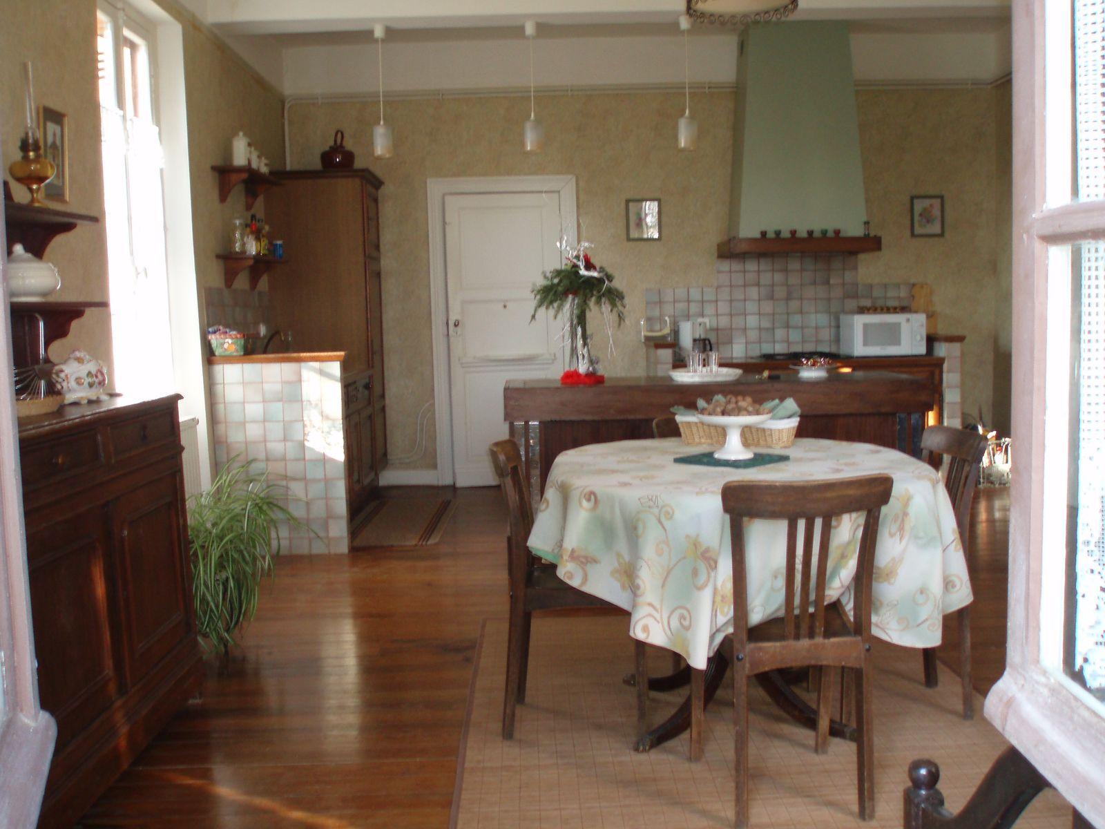 Salle de séjour et coin cuisine