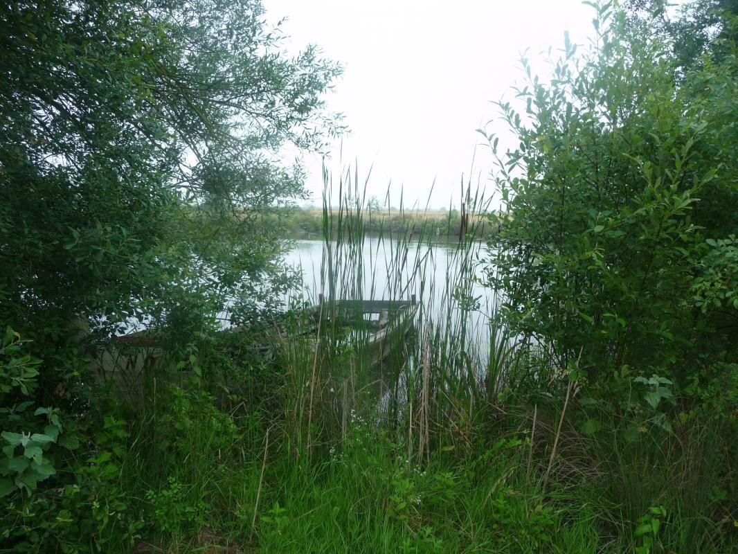 Situé dans un hameau à l'orée du marais Breton
