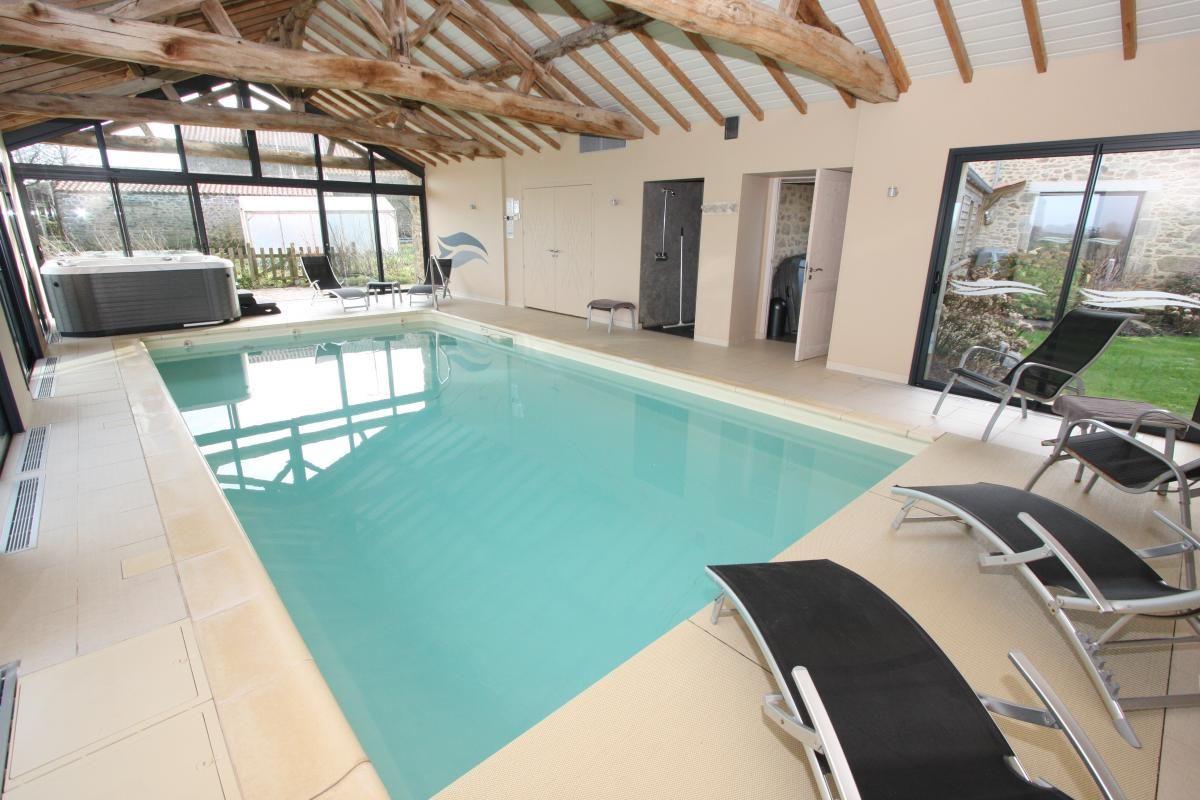 piscine à 28° toute l'année
