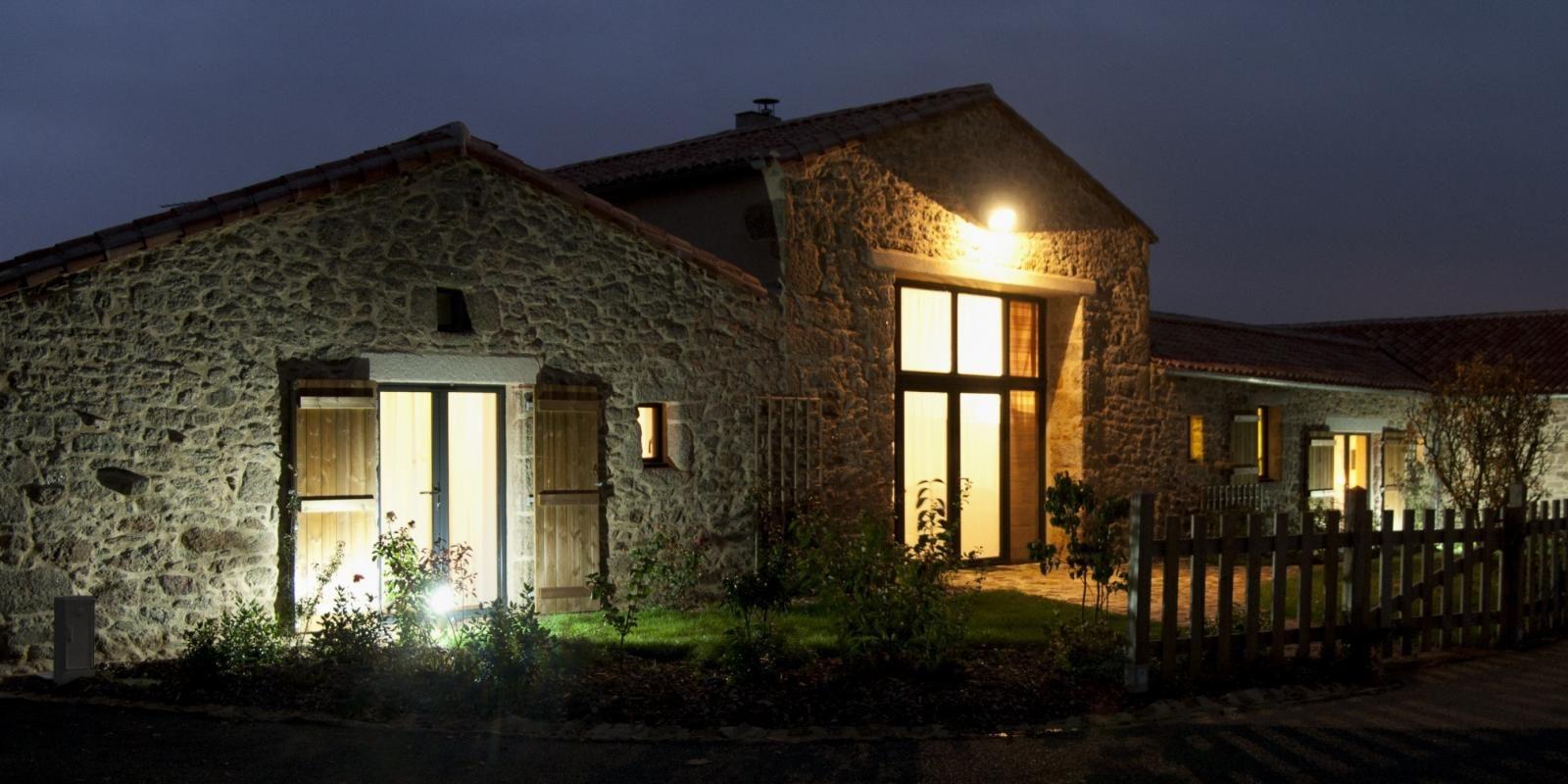 façade vue nocturne