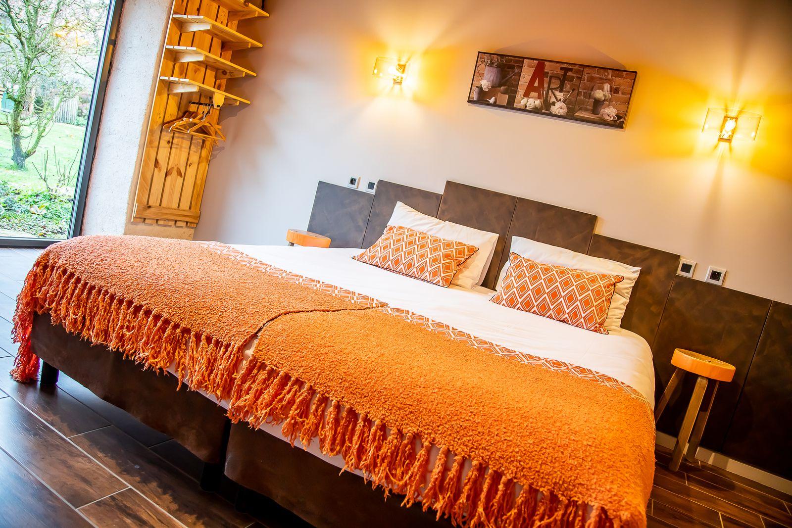 chambre orange version 1 lit double de 180/200 cm