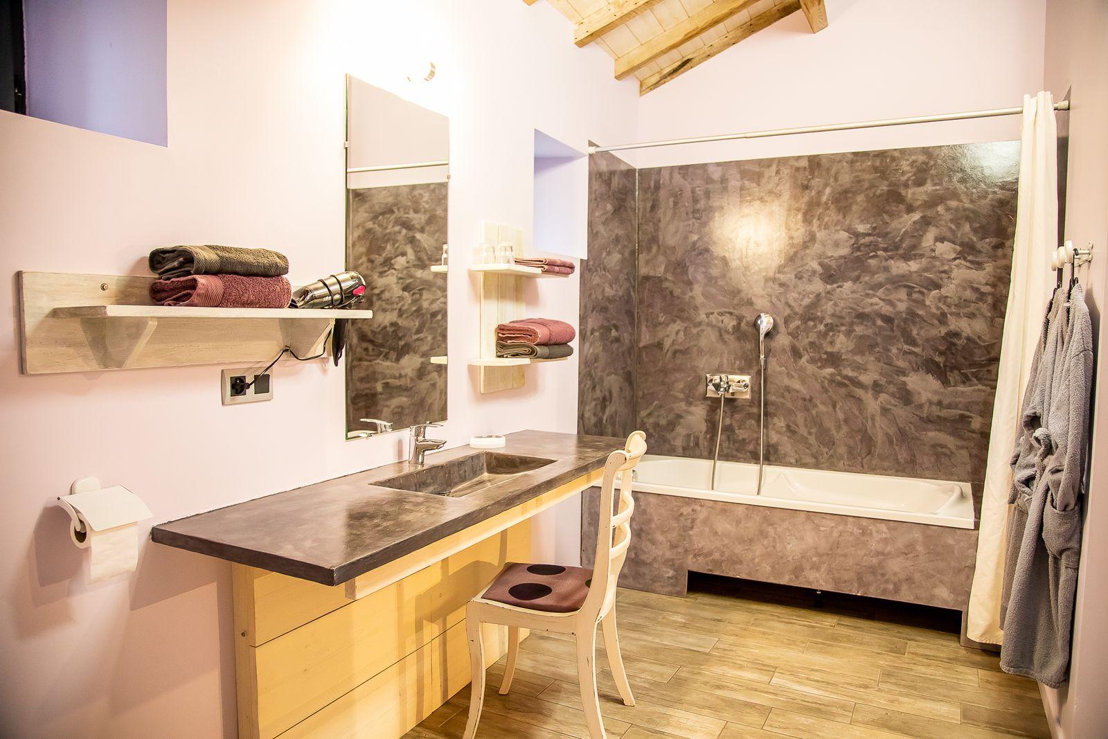 salle de bain au Gîte la Godetière