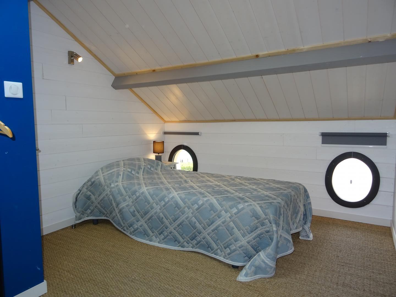 chambre 3 avec 1 lit de 90