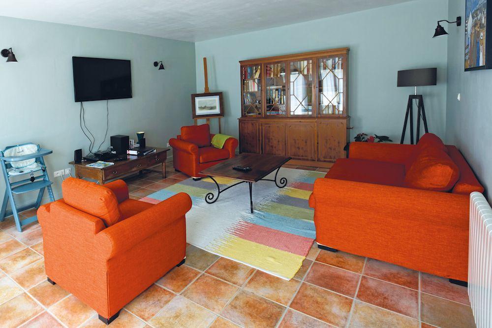 Le salon TV peut se transformer en 3eme chambre.