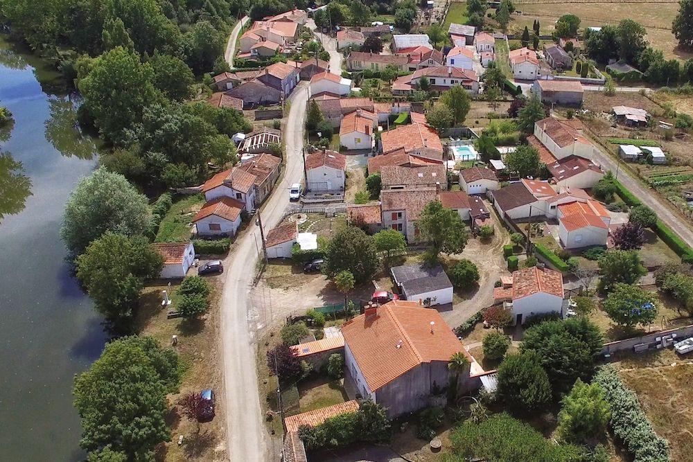 Vue aérienne du hameau de Mortevieille