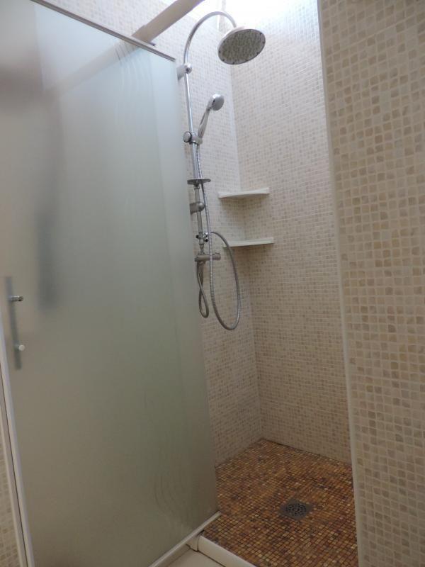 Grande douche à l'italienne