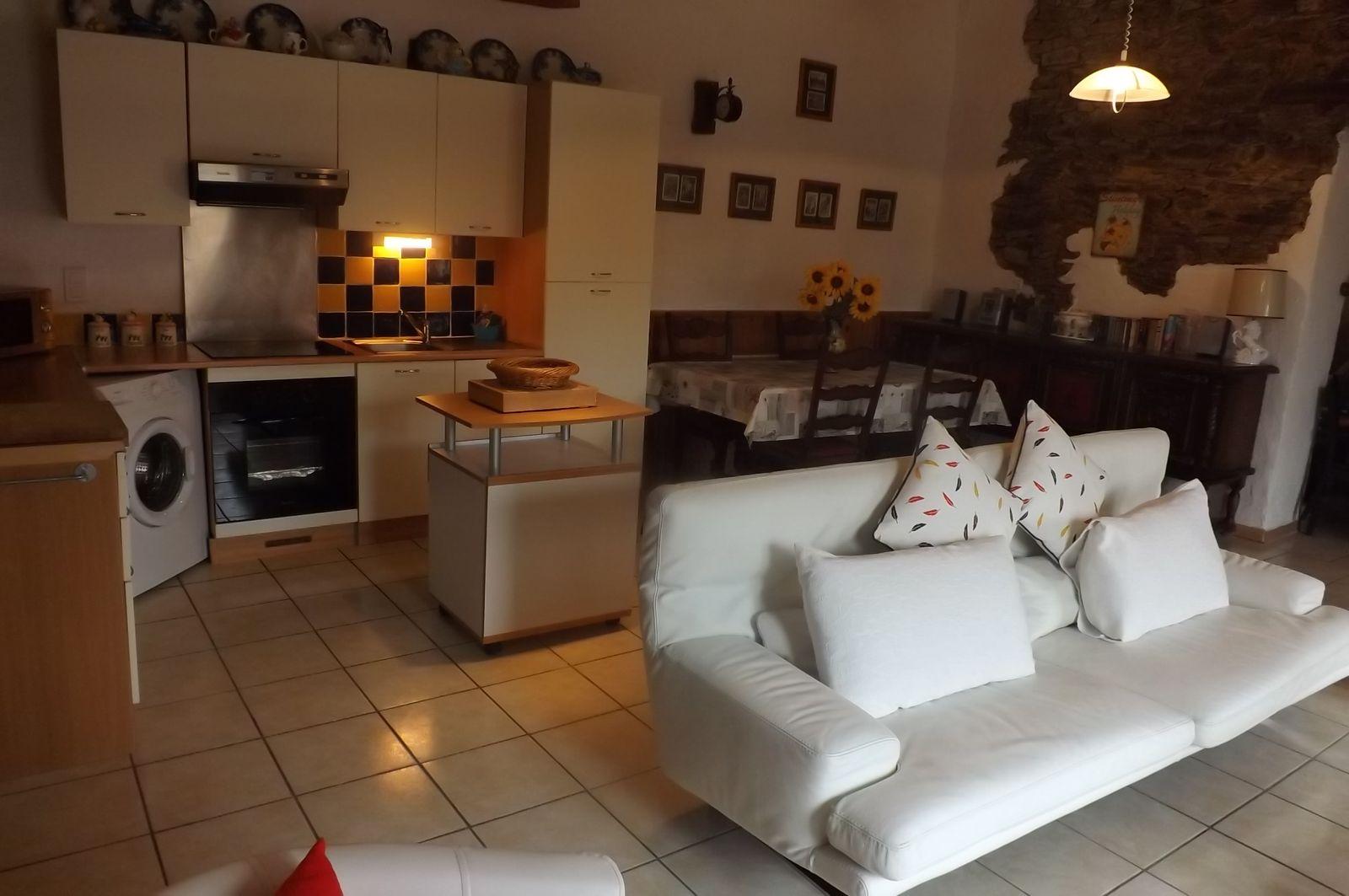 Cuisine - salon .Kitchen - Living room