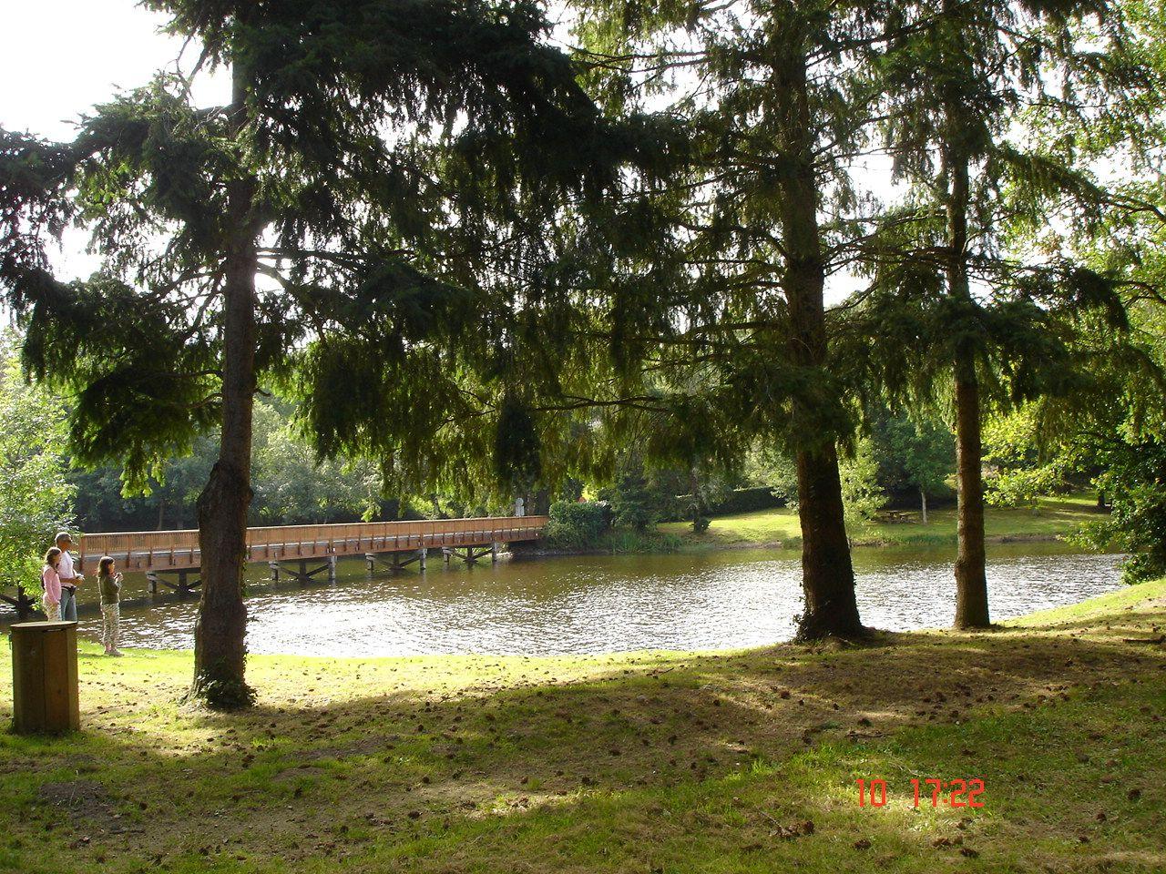 le pont lac de finfarine 1 km
