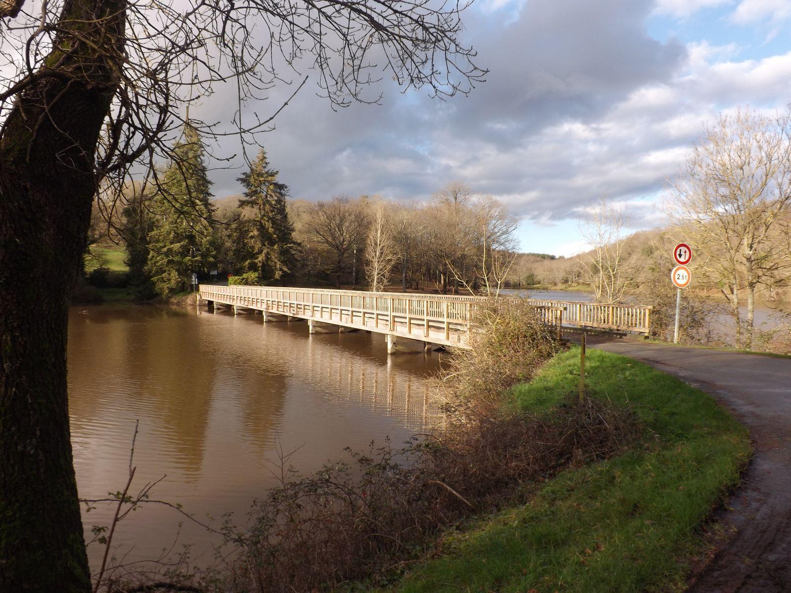 pont du lac de finfarine 1km