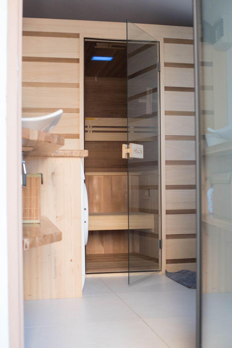 Sauna 4/5 places dans la salle de bain rdc