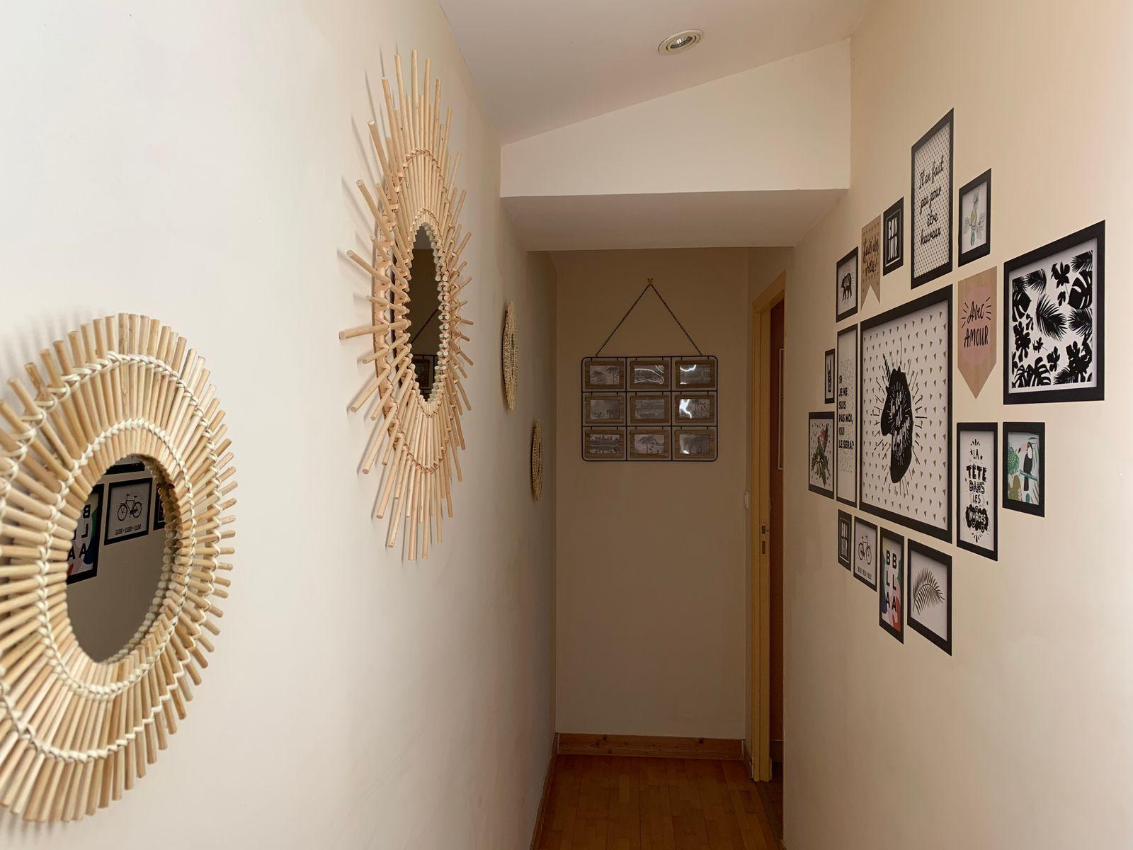 Le couloir desservant les chambres à l'étage