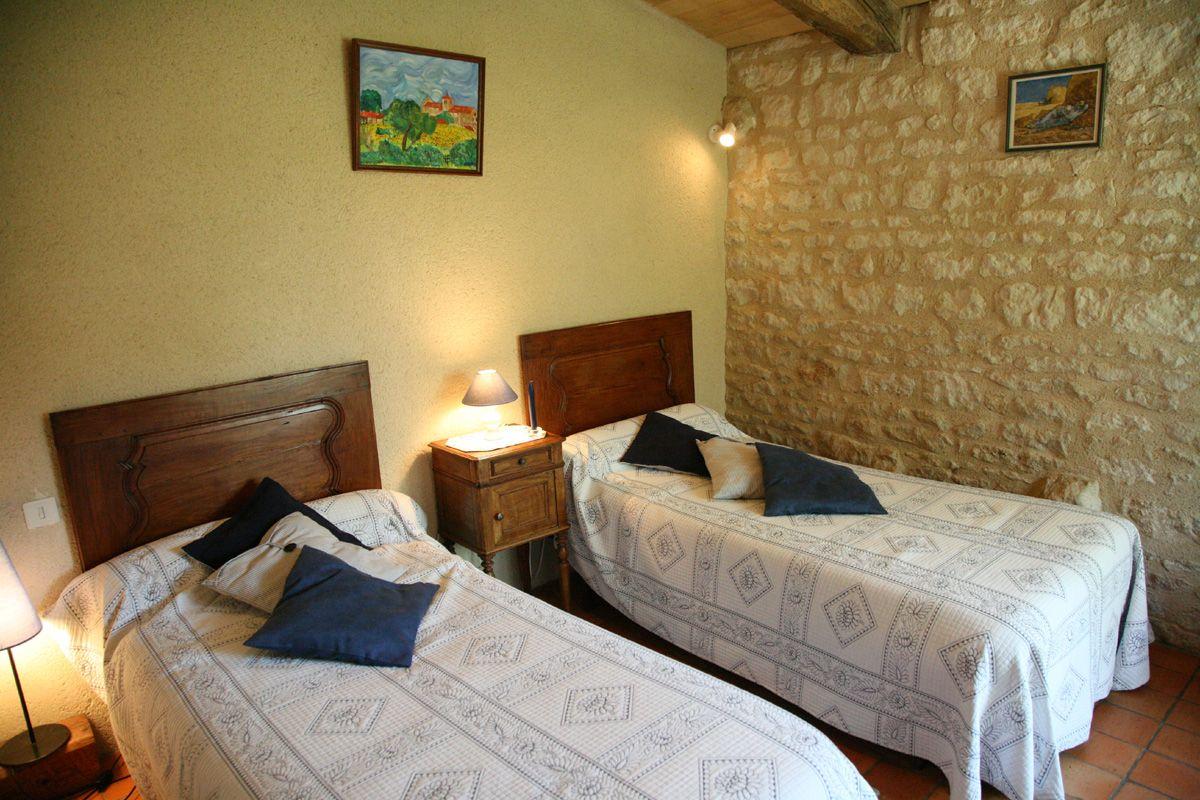 chambre bleuet: 2 lits